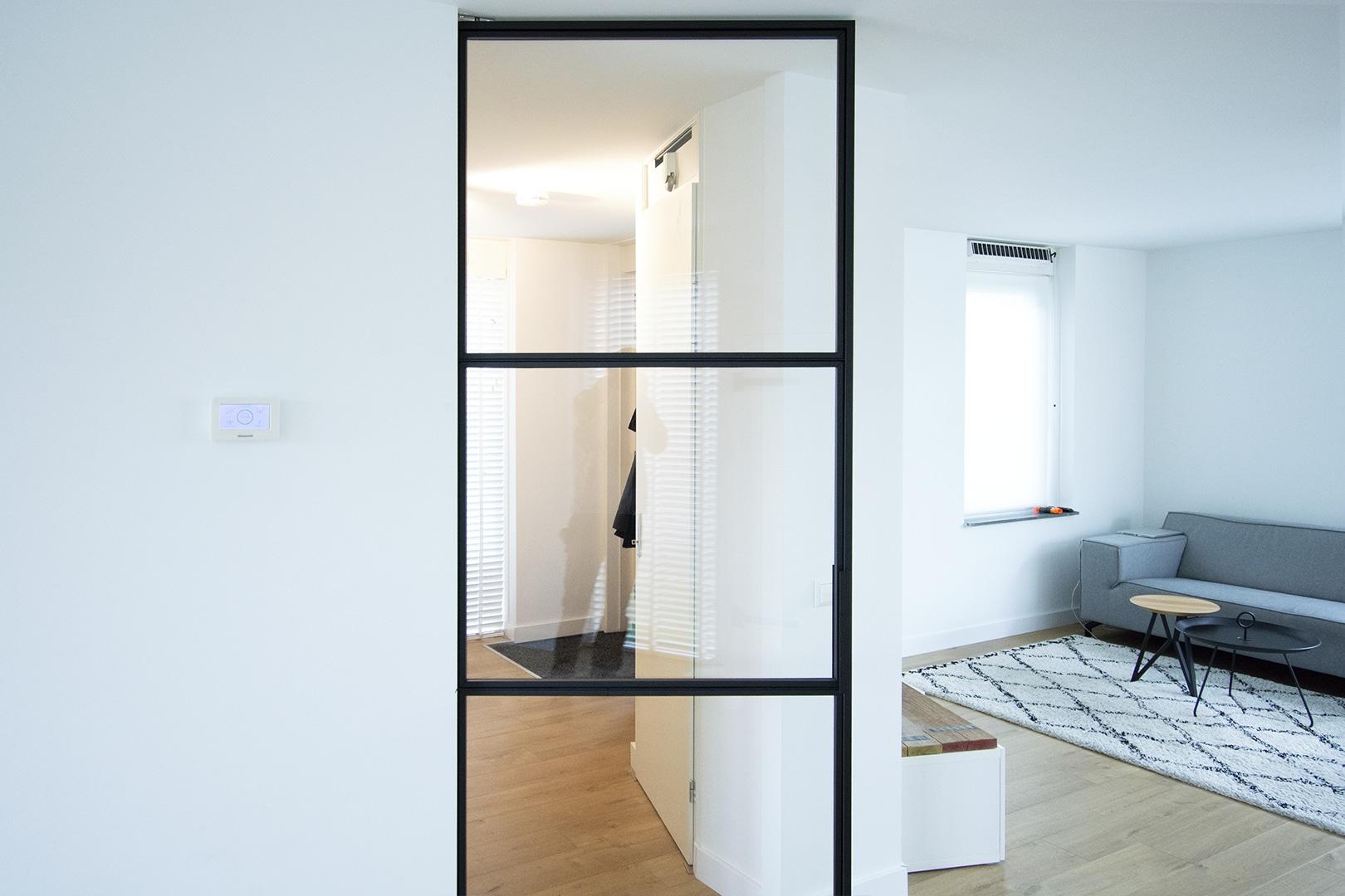 Taatsdeur met enkelzijdige glaslatten